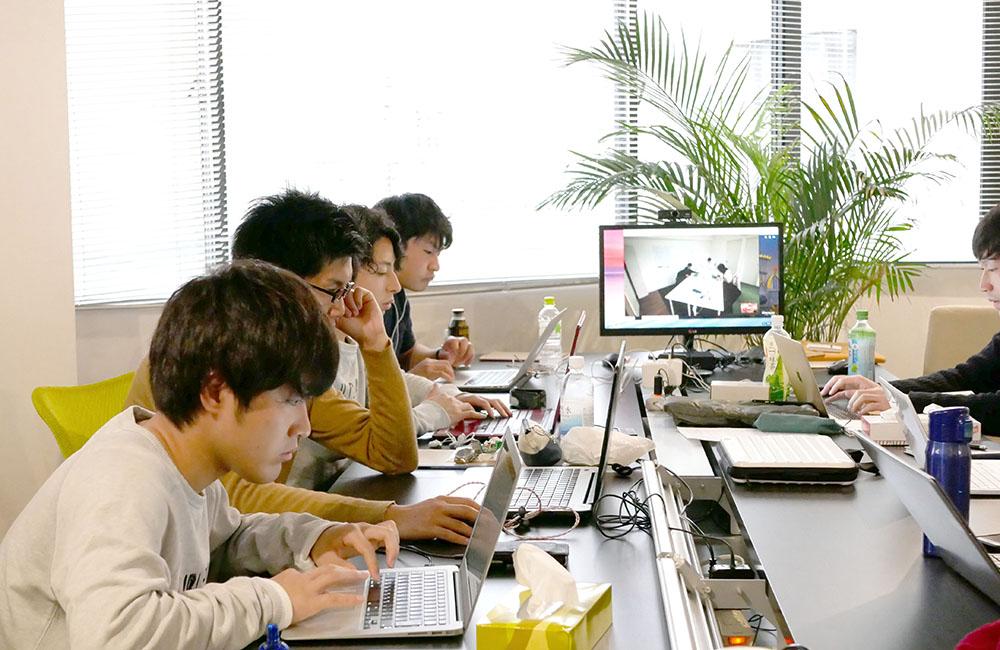インターン大阪オフィス写真04